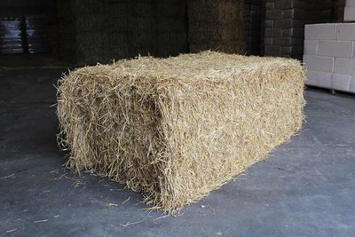 Grote baal tarwestro - per stuk 400 kg
