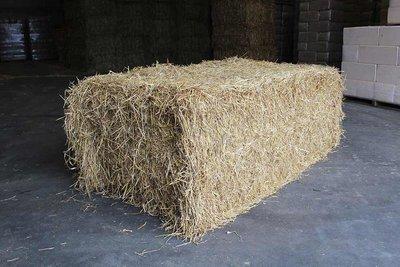 Grote baal tarwestro - per stuk 425 kg